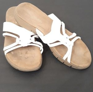 Shoes - Aerosoles  White Wip Away Sandals  Size 9.5